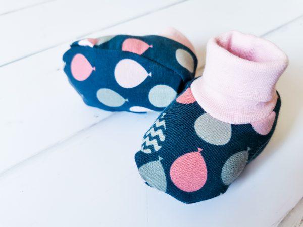 grey balloon booties 1